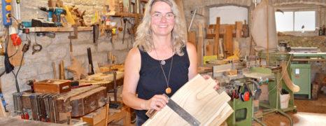 Möbel mit Charakter – Atelier de Bois: Bettina Löhr-Hentz baut auf traditionelle Handarbeit