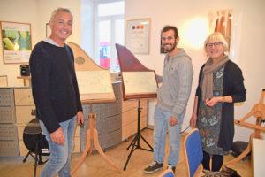 ROTOUR Rothenburg: Martin Veeh, Johanna Veeh-Krauß, (Geschäftsleitung) und Veeh-Harfen-Chorleiter Christoph Rubner. Foto: ul
