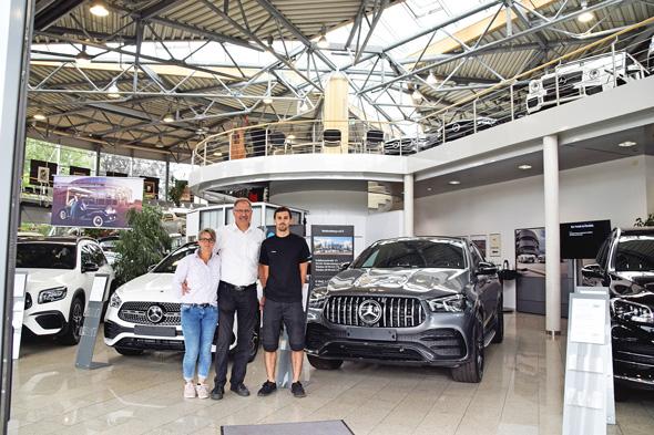 Unter einem guten Stern. Familie Korn bleibt in erster Linie Mercedes-Benz Vertragspartner. Foto: ul