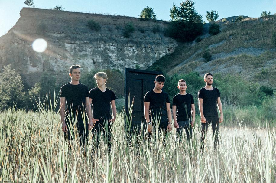 "Von links: Michael Kaiser (Lead Gitarre), Micha Mangold (Bass), Kevin Di Prima (Gesang), Philip Deuer (Schlagzeug) und Julian Kaiser (Rhythmusgitarre) sind ""Conclusion of an Age""."