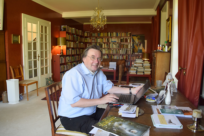 Günther Emig lebt und arbeitet im Prinzessinnenhaus in Niederstetten. Foto: am