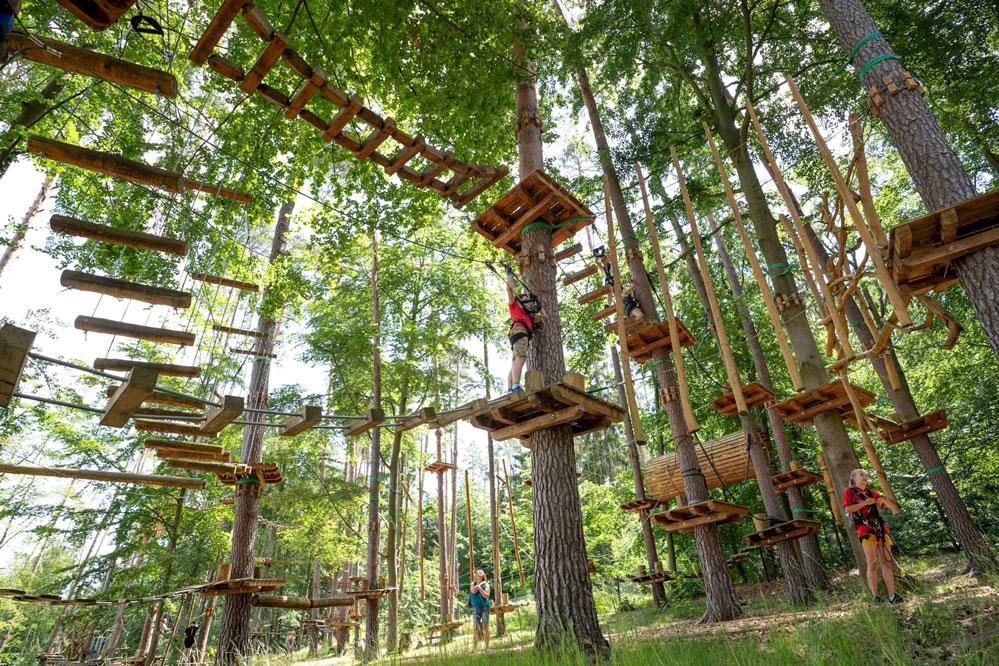 Seit letztem Jahr gehört der Kletterpark in Geiselwind auch zum Rothenburger Unternehmen. Hier können schon Kinder ab 4 Jahre klettern. Foto: Privat