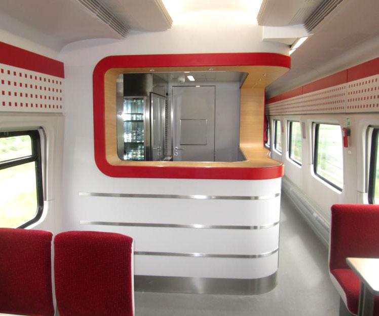"""So sieht ein Bordrestaurant von Winkler Design im fertigen Zustand aus – hier im polnischen Zug """"PESA"""". Foto: Friedsam"""