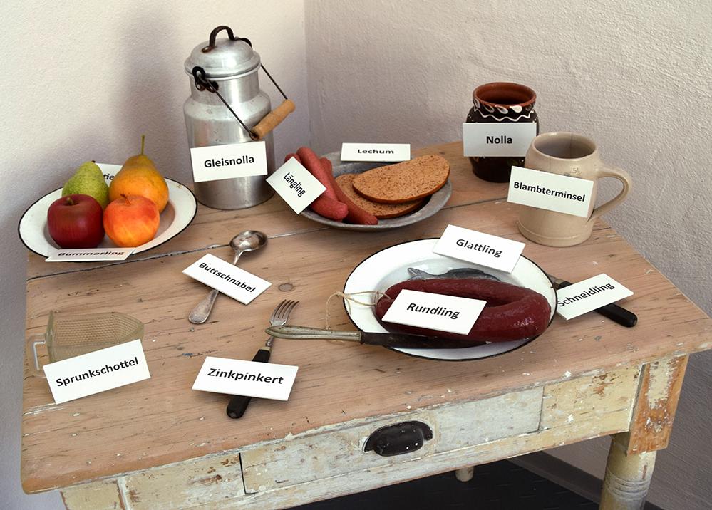 Tischlein deck' dich auf jenisch: Die Sondersprache des fahrenden Volks ist seit dem 15. Jahrhundert nachgewiesen. Zum Teil deckt sich der Wortschatz mit dem Rotwelschen, bedient sich aber auch sogenannter Spendersprachen. Foto: am